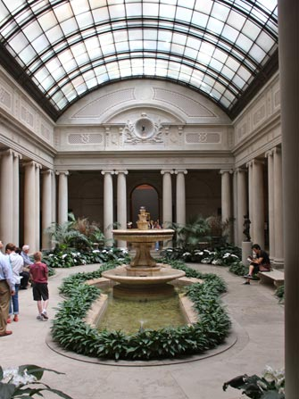 Cour Frick Museum New York