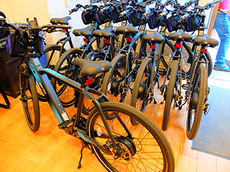 Facilités pour personnes handicapées - vélos électriques