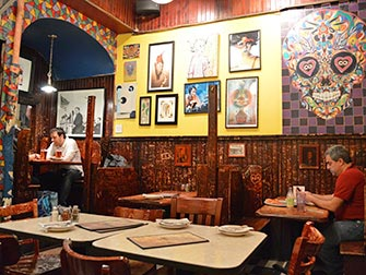 Johns-Pizzeria-a-la-Bleecker-Street-a-NYC