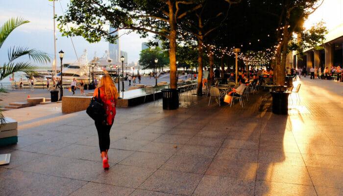 Les Frenchies à New York - Le District