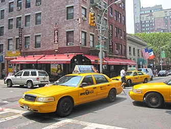 Lombardis-Pizza-a-New-York