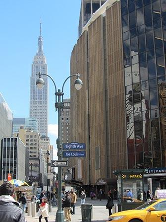 Midtown-Manhattan-a-New-York-Empire-State-Building