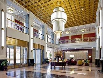 New Yorker Hotel - Foyer