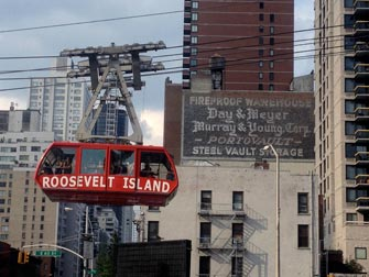 Roosevelt Island Tram a NYC - Upper East Side
