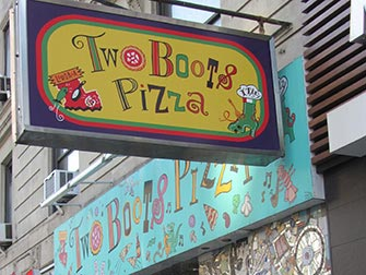 Two-Boots-Pizza-a-New-York