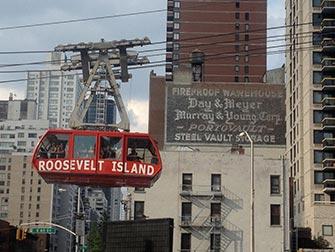Upper East Side Shopping à NYC - Roosevelt Island