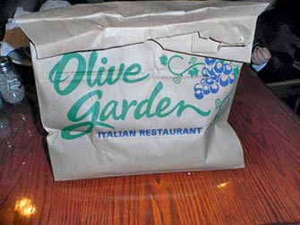 doggy-bag-new-york-olive-garden
