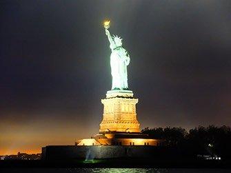 Dîner-croisière de la Saint-Valentin à New York - Statue de la Liberté