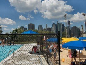 Piscine new york pop up pool brooklyn for Piscine new york