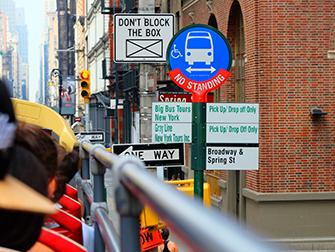 Bus touristique à New York - Arrêt de bus