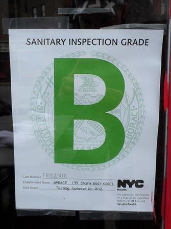 Restaurant affichant un B à New York