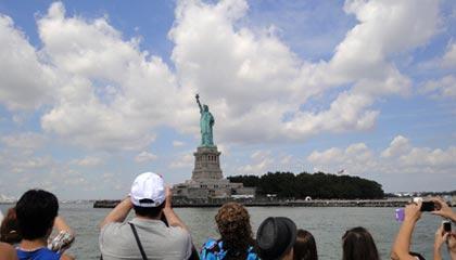 Statue de la Liberté - Vue depuis le bateau