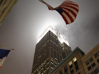 empire-state-building-illumine