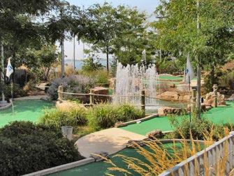 Mini-Golf-Pier-25-TriBeCa-New-York