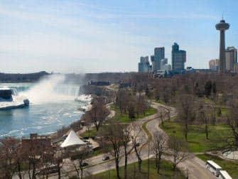Niagara Falls en avion - Cote canadien