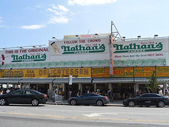 Coney-Island-a-New-York-Nathan-s