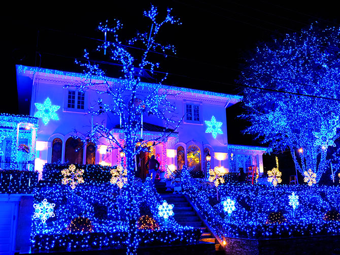 Dyker Heights Christmas Lights à New York - Lumières bleues
