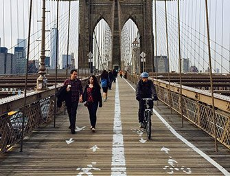 Location de vélos à New York - Traverser le Brooklyn Bridge