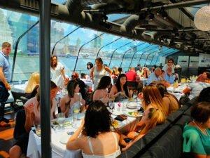 Bateaux Lunch Cruise à New York - Déjeuner